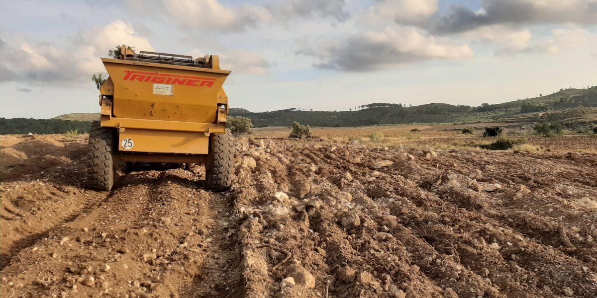 Campos de cultivo: ¿Triturar la piedra o despedregar?